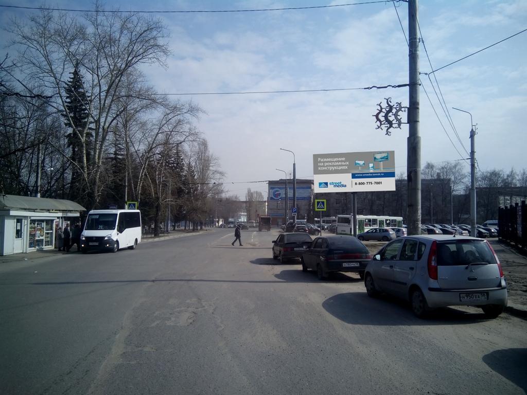 ул. Леонова (район д.28  по ул. Гагарина)